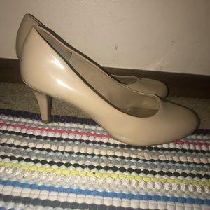 """Comfort Plus 1"""" heels"""